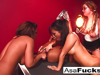 Asa Akira's Four girl orgy!