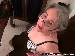senior assistant Kelli disrobes off and fingers her hairy pussy