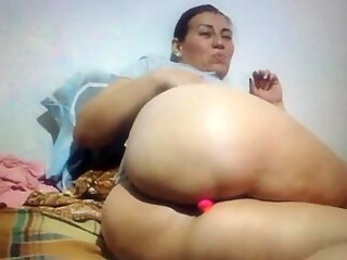 Chatting with a big booty Latino granny