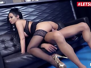 BUMS BUS, Slutty MILF Jacky Lawless Rides Boss At The Office