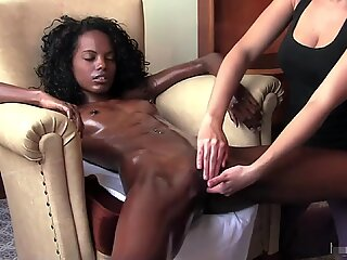 AMAZING BLACK TEEN ORGASMS AFTER MASSAGE ON a CHAIR